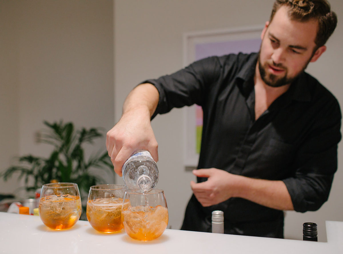 Aperol Spritz Cocktails are perfect for weddings or parties